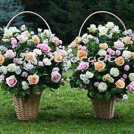 Eleganckie kosze długich kwiatów