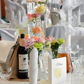 Hotel Atut – Kolorowa dekoracja ślubna