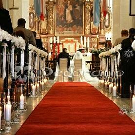 Lampiony i kwiaty – dekoracja kościoła w Dolsku