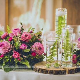 Kwiaty, drewno, liście paproci – oryginalna dekoracja ślubna w Hotelu Navigator