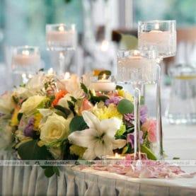 Dekoracja ślubna stołu prezydialnego w Hotelu Atut