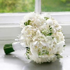 Biała elegancka wiązanka ślubna