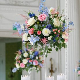 Delikatne pastele – róż i błękit – aranżacja ślubna w Pałacu w Rydzynie