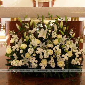 Dekoracja ołtarza – Kościół pw. Chrystusa Jedynego Zbawiciela w Swarzędzu