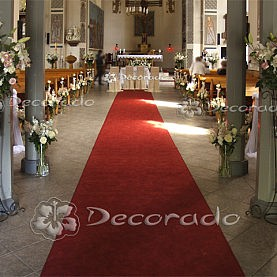 Kwiatowa alejka – dekoracja Kościoła MBM w Swarzędzule