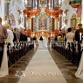 Delikatne kwiaty – dekoracja kościoła św. Antoniego