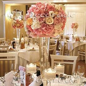Eleganckie kwiatowe kule – dekoracja sali w Pałacu w Biedrusku