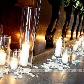 Lampiony, płatki, kwiaty – dekoracja Kościoła św. Wojciecha