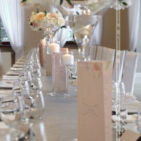 Kwiaty i świece – dekoracja w Dworku Róża Poraja
