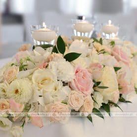 Dekoracja na stole prezydialnym – Róża Poraja