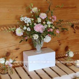 Naturalna kompozycja w stylu vintage – słodki stół – Karczma na Lednicy