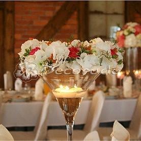 Delikatny kwiatowe wianek – dekoracja sali w Jastrowiu – Leśna Chata