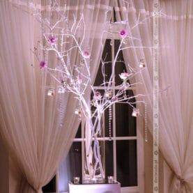 Oryginalne drzewko za Parą Młodą w Pałacu Jaśminowym