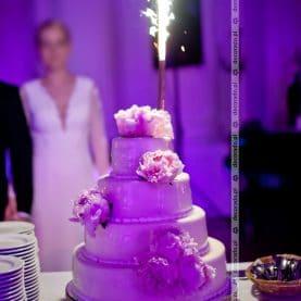 Kwiaty na tort – dekoracja ślubna w Pałacu w Rydzynie