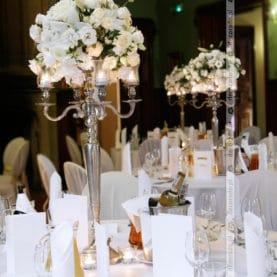 Kwiaty w świetle świec – Pałac Wąsowo