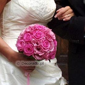 Amarantowy bukiet ślubny