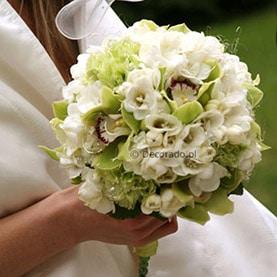 Wiązanka ślubna – biel i pistacja