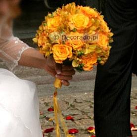 Bukiet ślubny w kolorze pomarańczowym