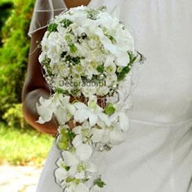 Ażurowy bukiet ślubny – biel z pastelową zielenią