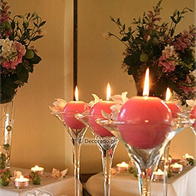 Różowe dodatki – dekoracja sali w Hotelu Dorian