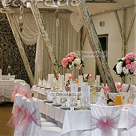 Delikatny róż z dodatkiem ślubnej bieli – Villa Natura