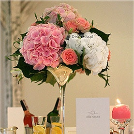 Eleganckie i piękne hortensje – dekoracja ślubna w Villa Natura