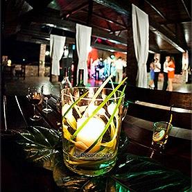 Światło lampionów na tarasie – Villa Natura