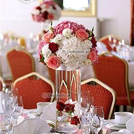 Hotel Pietras Wągrowiec  – dekoracja sali z nutą czerwieni
