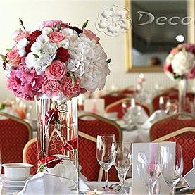 Kwiaty i szkło – eleganckie połączenie – Hotel Pietras
