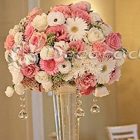 Romantyczne kwiatowe kule w oprawie z kryształów – Pałac Biedrusko