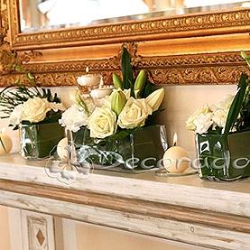 Dekoracja sali weselnej w Hotelu Sułkowski w Boszkowie  – ślubne akcenty na kominku