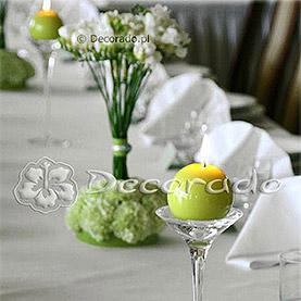 Eleganckie świeczniki – dekoracja ślubna sali w Hotelu Henlex