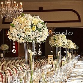 Piękne kwiaty i kryształowe akcenty – Hotel Sułkowski