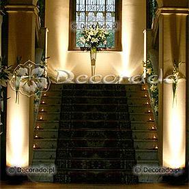 Elegancka dekoracja wejścia w Pałacu w Wąsowie