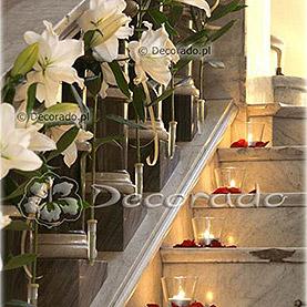 Kwiatowa dekoracja schodów – Pałac w Wąsowie