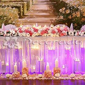 Przepych kwiatów w blasku świec – dekoracja Pałacu na Opieszynie