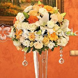 Dekoracja w odcieniach pomarańczu – Róża Poraja