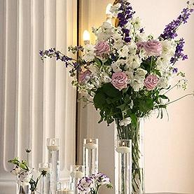 Dekoracja sali w kolorze fioletowym – Pałac w Rydzynie