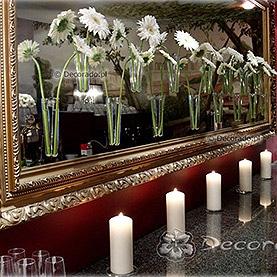 Kwiatowa dekoracja lustra – Restauracja Meridian