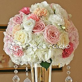 Róż, biel, brzoskwinia – pastelowe kwiaty – Pałac w Zakrzewie