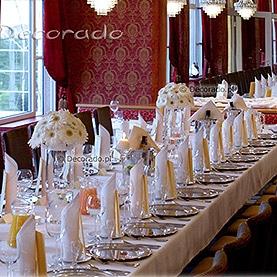 Prosto i elegancko – kwiaty, szkło, świece – Restauracja Meridian