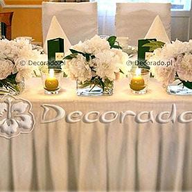 Romantyczne piwonie na stole prezydialnym – dekoracja Pałacyku pod Lipami