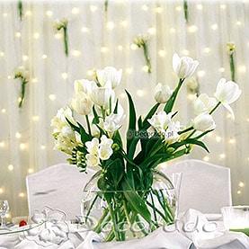 Dekoracja ślubna w bieli – stół prezydialny w Restauracji Markietanka w Poznaniu