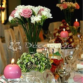 Delikatne frezje i róży z elegancką hortensją – dekoracja ślubna w Hotelu Dorian