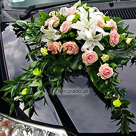 """Dekoracja samochodu """"Romantyczne róże i perły"""""""