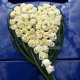 """Dekoracja samochodu """"Serce z róż"""""""