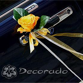 Róże przy klamkach