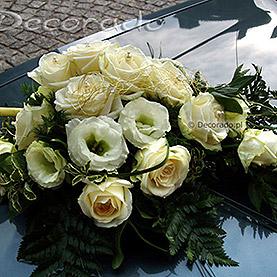 Róża i eustoma z dodatkiem zieleni liści