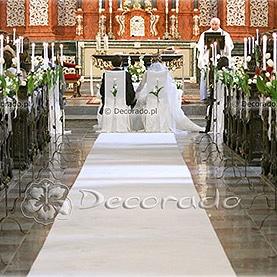 Świece, frezje, tulipany – kościół Św. Antoniego