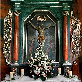 Dekoracja bocznego ołtarza – kościół w Wierzenicy